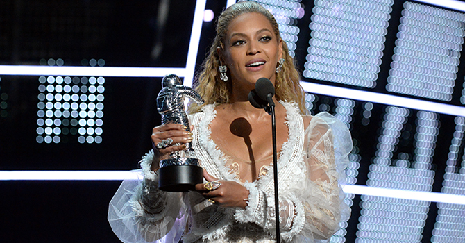 NEW YORK, NY - AUGUST 28: Recording artist Beyonce accepts the award for Video of the Year onstage during the 2016 MTV Video Music Awards at Madison Square Garden on August 28, 2016 in New York City. (Photo by Jeff Kravitz/FilmMagic)