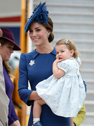 VICTORIA, BC - SEPTEMBER 24: (NO UK SALES FOR 28 DAYS) Catherine, Duchess of Cambridge and Princess Charlotte fo Cambridge arrive at Victoria Airport for the start of the Royal Tour on September 24, 2016 in Victoria, Canada. (Photo by Pool/Sam Hussein/WireImage)