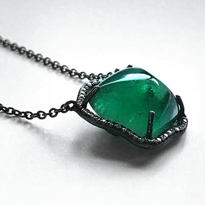 400-x-400-necklace-emerald