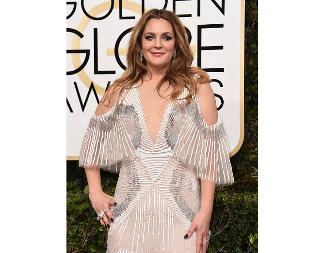 Actress Drew Barrymore arrives at the 74th annual Golden Globe Awards, January 8, 2017, at the Beverly Hilton Hotel in Beverly Hills, California. / AFP / Valerie MACON (Photo credit should read VALERIE MACON/AFP/Getty Images)