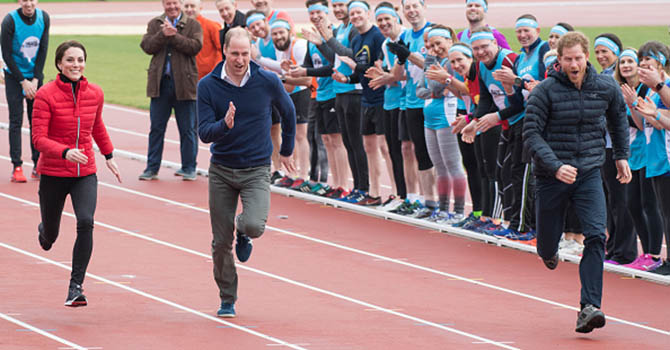 LONDON, ENGLAND - FEBRUARY 05: Catherine, Duchess of Cambridge, Prince Wiliam, Duke of Cambridge and Prince Harry take part in a race during a training day for the Heads Together team for the London Marathon at Olympic Park on February 5, 2017 in London, England. (Photo by Samir Hussein/Samir Hussein/WireImage)