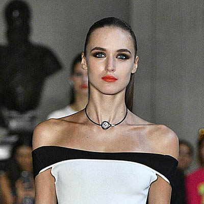 The Adventurine Posts The Belperron Jewels in Carolina Herrera's Show