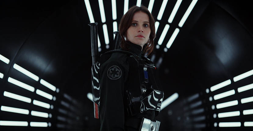 The Adventurine Posts Jyn's Kyber Crystal Necklace in 'Rogue One'
