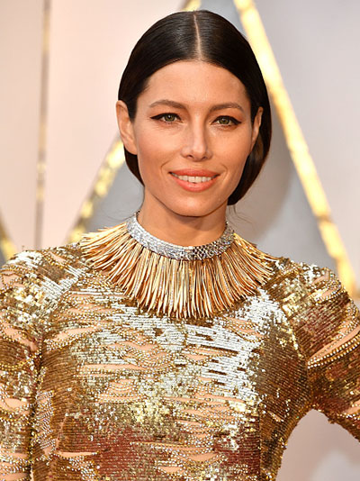 Jessica Biel at the 2017 Oscars in a Tiffany necklace Photo by Steve Granitz/WireImage
