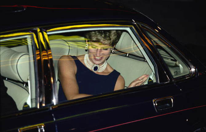 Princess Diana (1961 - 1997) arrives for a film premiere, London, 23rd September 1993. (Photo by Jayne Fincher/Princess Diana Archive/Getty Images)