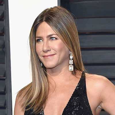 The Adventurine Posts Jennifer Aniston's 100-carat Diamond Earrings at the Oscars