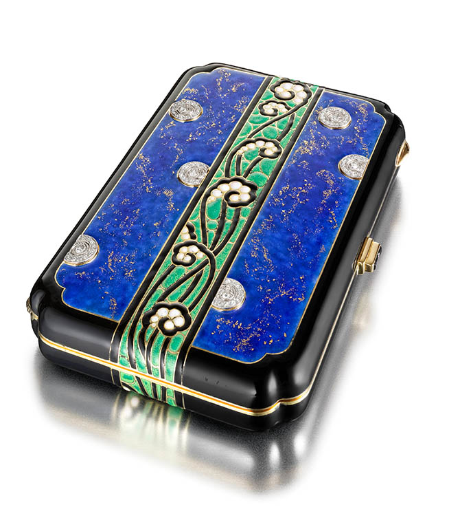 Fern Compact (France), ca. 1929; Enamel, rose-cut diamonds, mirrored plate glass, gold, platinum; 8.2 ◊ 5.4 ◊ 1.3 cm (3 1/4 ◊ 2 1/8 ◊ 1/2 in.); Photo: Doug Rosa