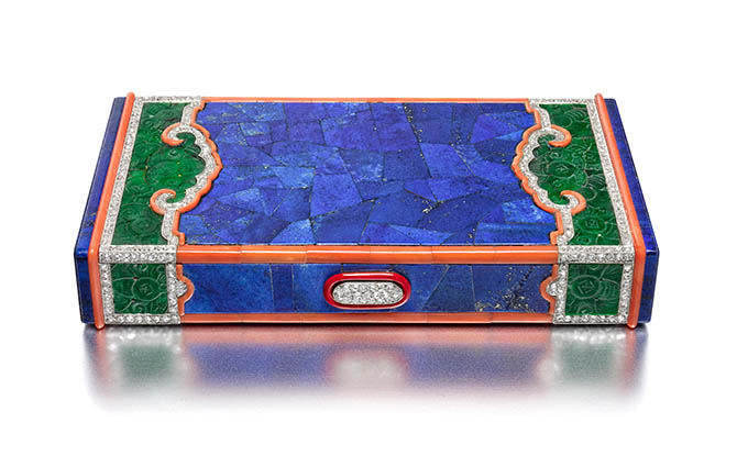 Vanity Case, ca. 1927; Produced by Cartier (Paris, France); Manufactured by Henri Lavabre (French); Lapis lazuli, carved jade, carved ruyi, coral, diamonds, lacquer, mirrored plate glass, gold, platinum; 9.9 ◊ 5.2 ◊ 1.7 cm (3 7/8 ◊ 2 1/16 ◊ 11/16 in.); Photo: Doug Rosa