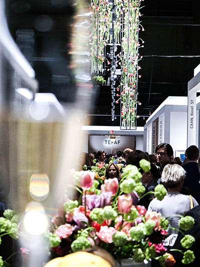 A view of the hanging and displayed arrangements of tulips flown in from Holland at TEFAF Spring New York. Photo courtesy