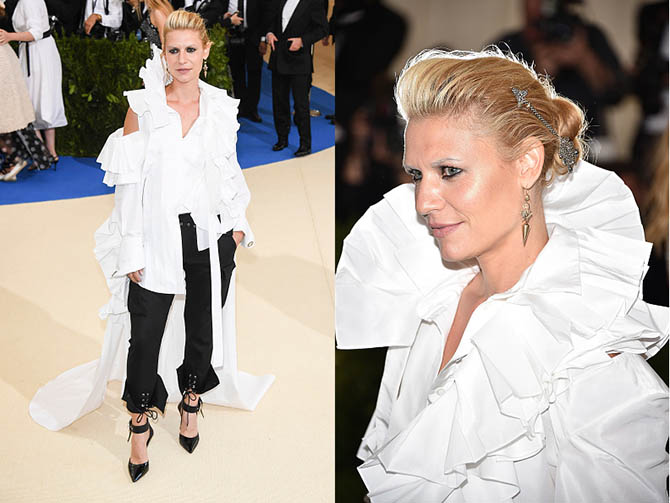 Claire Danes in Fred Leighton jewels at the 2017 MET Gala