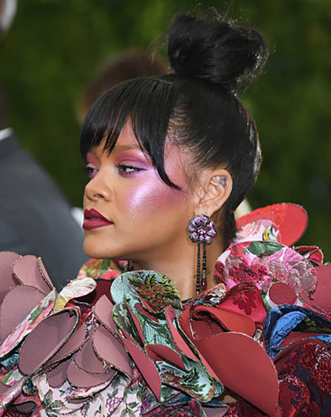 look rihanna face download haircut earrings wallpaper