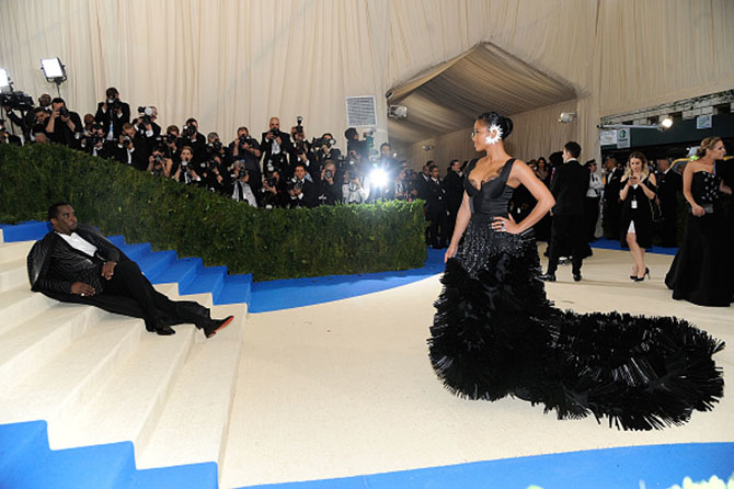 """NEW YORK, NY - MAY 01: Sean Combs and Cassie attends """"Rei Kawakubo/Comme des Garcons: Art Of The In-Between"""" Costume Institute Gala - Arrivals at Metropolitan Museum of Art on May 1, 2017 in New York City. (Photo by Rabbani and Solimene Photography/Getty Images)"""