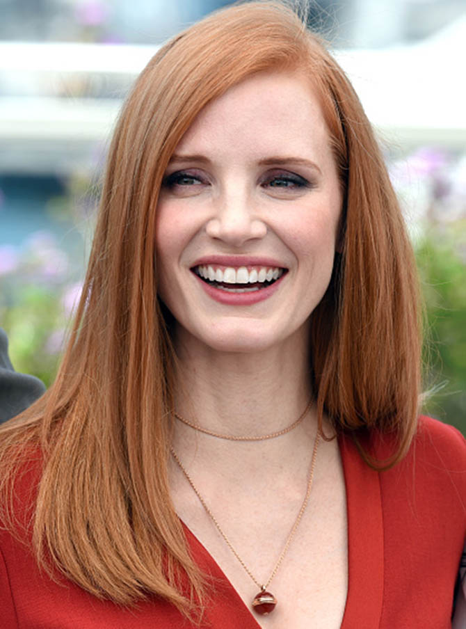 CANNES, FRANCE - MAY 17: Jessica Chastain in a Piaget Possession pendat at the Jury photocall during the 70th annual Cannes Film Festival at Palais des Festivals on May 17, 2017 in Cannes, France. (Photo by Anthony Harvey/FilmMagic)