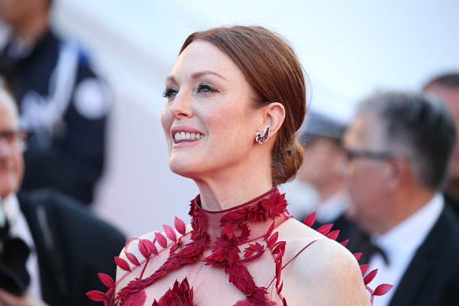 "CANNES, FRANCE - MAY 17: Actress Julianne Moore attends the ""Ismael's Ghosts (Les Fantomes d'Ismael)"" screening and Opening Gala during the 70th annual Cannes Film Festival at Palais des Festivals on May 17, 2017 in Cannes, France. (Photo by Gisela Schober/Getty Images)"