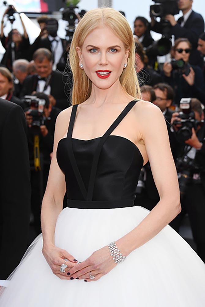 """CANNES, FRANCE - MAY 22: Nicole Kidman in Harry Winston diamonds at the """"The Killing Of A Sacred Deer"""" screening during the 70th annual Cannes Film Festival at Palais des Festivals on May 22, 2017 in Cannes, France. (Photo by Venturelli/WireImage)"""
