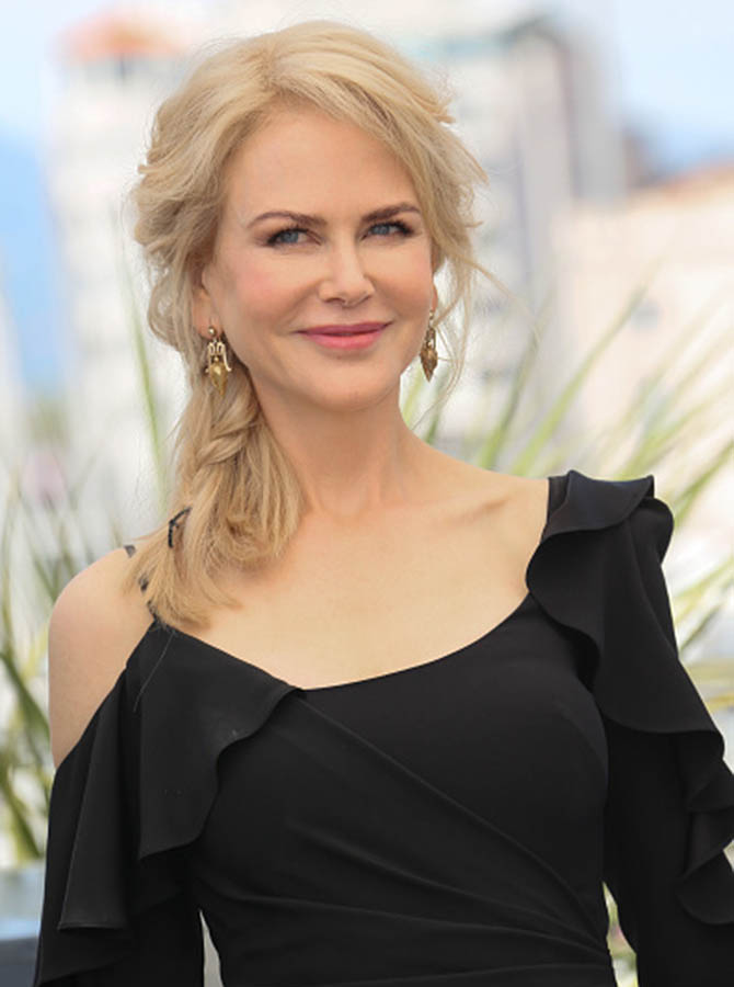 "CANNES, FRANCE - MAY 23: Nicole Kidman wearing vintage gold archeological style earrings at the ""Top Of The Lake: China Girl"" Photocall during the 70th annual Cannes Film Festival at Palais des Festivals on May 23, 2017 in Cannes, France. (Photo by Tony Barson/FilmMagic)"