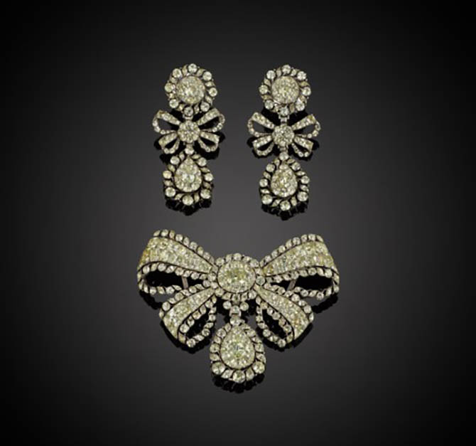 Chrysoberyl Bow Pendant and Earrings, Portuguese c.1760