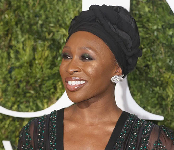 Cynthia Erivo at the 2017 Tony Awards in 1950s diamond spray earrings from Fred Leighton