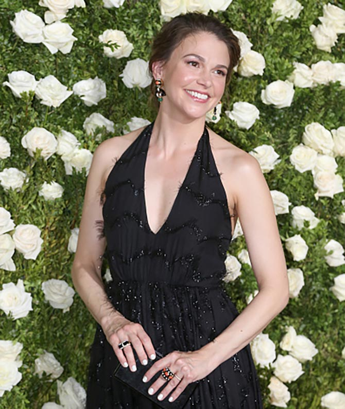 NEW YORK, NY - JUNE 11: Actress Sutton Foster in David Webb jewelry at the 71st Annual Tony Awards at Radio City Music Hall on June 11, 2017 in New York City. (Photo by Bruce Glikas/FilmMagic)