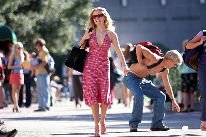 Reese Witherspoon as Elle Woods in 'Legally Blonde' wearing a Tiffany heart necklace. Photo MGM