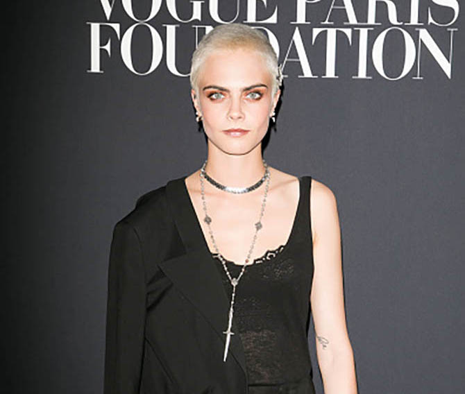PARIS, FRANCE - JULY 04: Cara Delevingne attends Vogue Foundation Dinner during Paris Fashion Week as part of Haute Couture Fall/Winter 2017-2018 at Musee Galliera on July 4, 2017 in Paris, France. (Photo by Marc Piasecki/WireImage)
