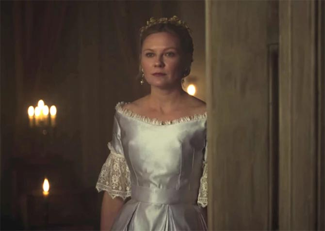 Kirsten Dunst wearing vintage pearl and diamond pendant earrings in 'The Beguiled.' Photo Focus Features