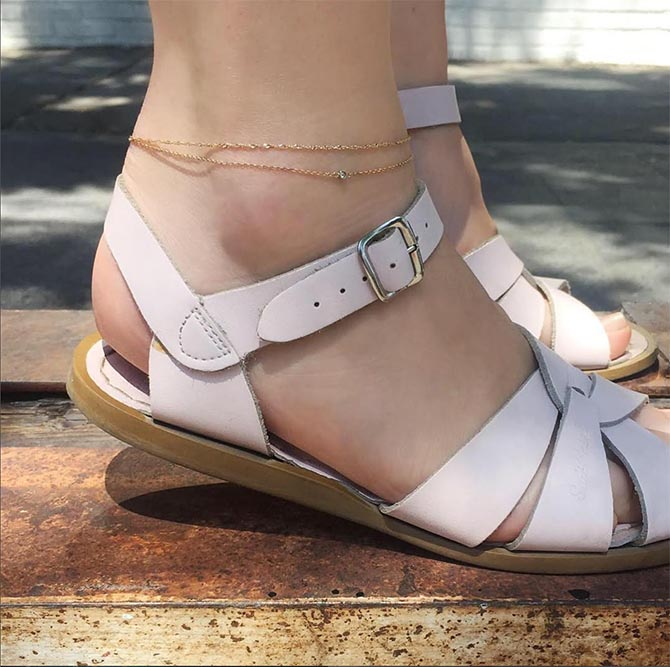 Catbird Sweet Nothings and Wicked Games anklets worn with light pink sandals. Photo @catbirdnyc/Instagram