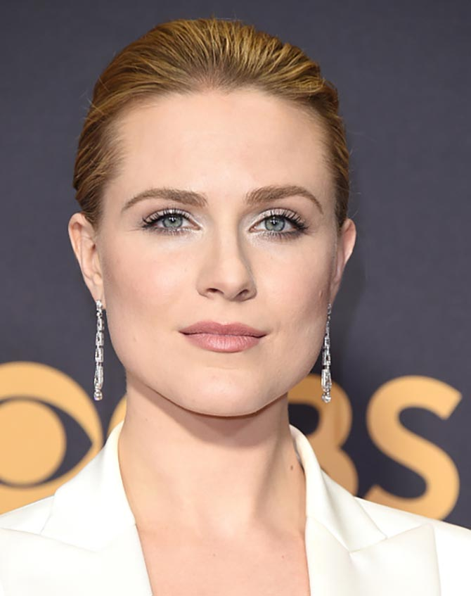 Evan Rachel Wood wearing Neil Lane Vintage Couture diamond and Platinum geometric earrings and a diamond, pearl and platinum ring