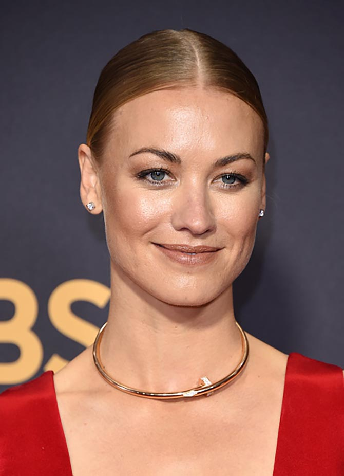 Yvonne Strahovski in a Juste un Clou necklace by Cartier