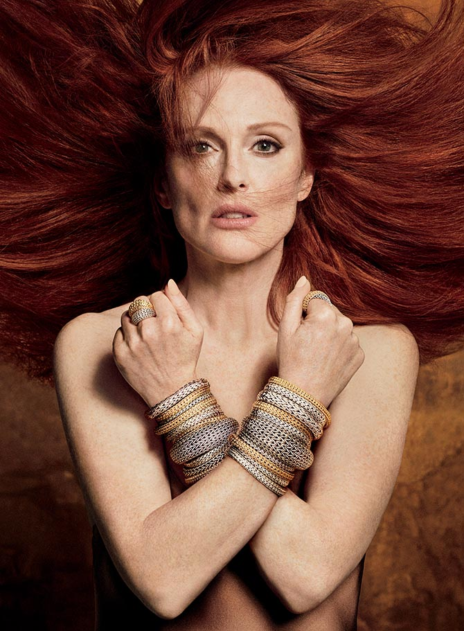 "Julianne Moore wearing classic chain bracelets and rings in John Hardy's ""Made for Legends"" campaign. Photo Luigi Murenu and Iango Henzi/John Hardy"