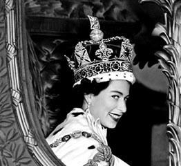 The AdventurinePostsThe Jewelry Star of 'The Crown'