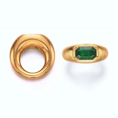 Octagonal-cut 3.92-carat emerald and gold ring by JAR from Ellen Barkin's collection. Photo Christie's