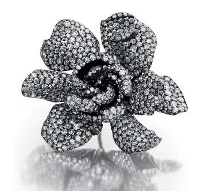 Ellen Barkin's diamond Gardenia Ring by JAR from the October 10, 2006 Christie's sale. Photo courtesy