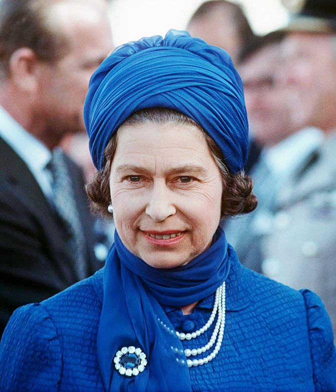 Queen Elizabeth wearing Queen Victoria's sapphire and diamond brooch in 1979. Photo Getty