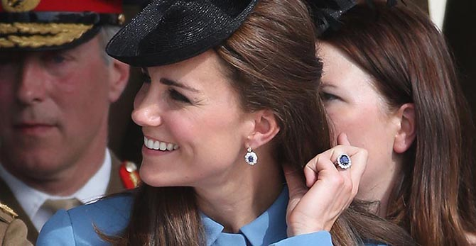 The Duchess of Cambridge wearing her diamond and sapphire engagement ring. Photo Christopher Furlong/Getty Images
