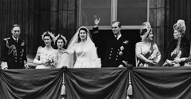Princess Elizabeth and Prince Philip with the royal family on their wedding day. On the left is King George VI, Princess Margaret. On the right are Queen Elizabeth, Queen Mary Photo Popperfoto