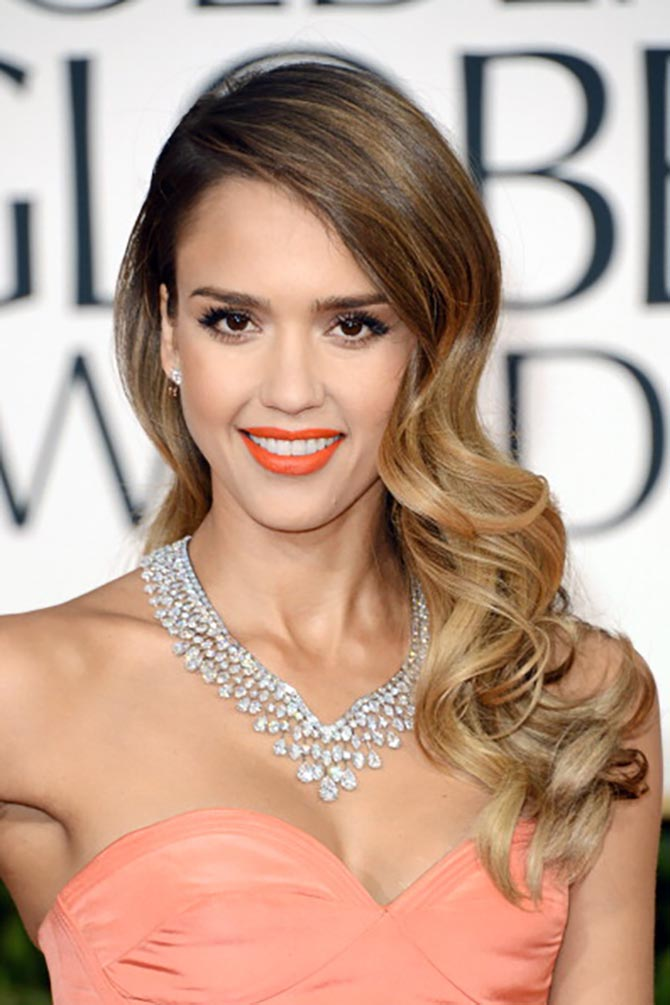 Jessica Alba in a Harry Winston necklace at the 2013 Golden Globe Awards. Photo by Jason Merritt/Getty Images