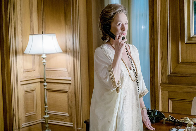Meryl Streep wearing a gold caftan, gold chain and watch in 'The Post' Photo Niko Tavernise/Twentieth Century Fox