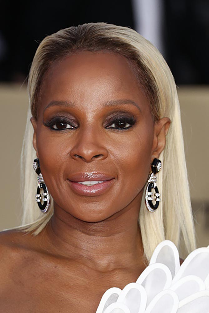 Mary J. Blige in David Webb earrings at the SAG Awards