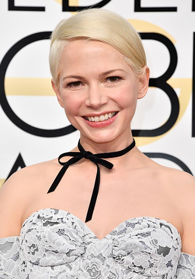 Michelle Williams in a velvet ribbon at the 2017 Golden Globe Awards. Photo by Steve Granitz/WireImage