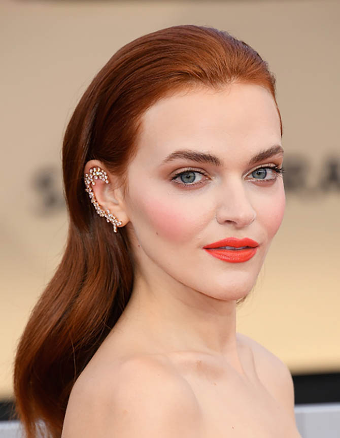 Madeline Brewer in Stefere jewelry at the 24th Annual Screen Actors†Guild Awards.