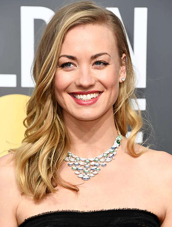 Yvonne Strahovski in a Bulgari bib necklace at The 75th Annual Golden Globe Awards