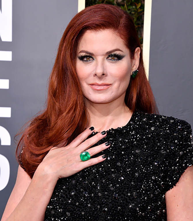 Debra Messing in Lorraine Schwartz jewels at the 2018 Golden Globe Awards