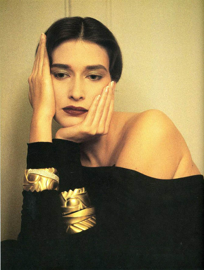 Rosemary McGrotha posed for Sheila Metzner in 1985 wearing Barry Kieselstein-Cord bracelets.