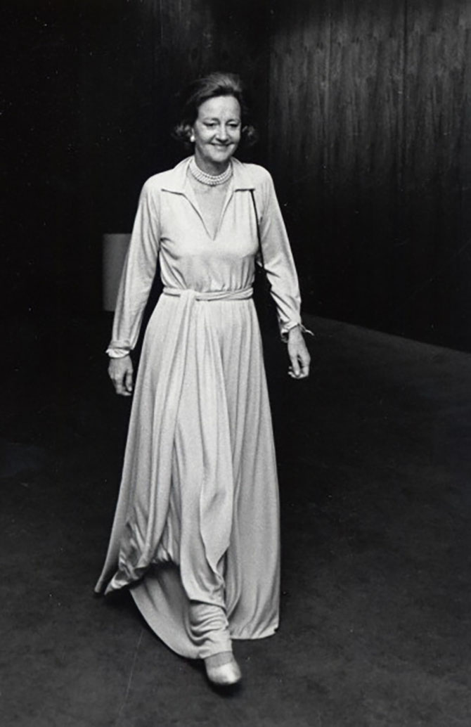 Katharine Graham wearing pearl earrings and a choker with a dress that looks like Halston at the premiere of All The President's Men on April 4, 1976 at the Kennedy Center in Washington, D.C. Photo by Ron Galella/WireImage