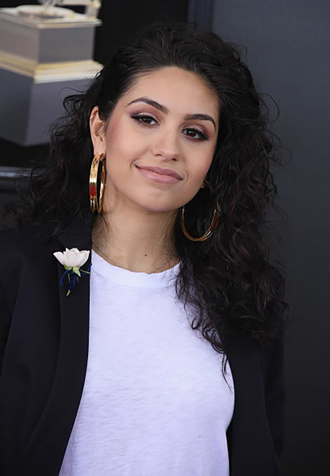 Best New Artist Award winner, Alessia Cara wore Jennifer Fisher gold Reverse Hoops with her sleek suit.