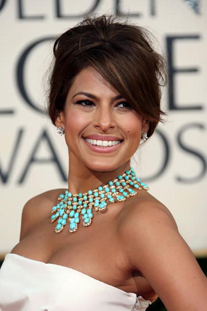 Eva Mendes in a vintage Van Cleef & Arpels necklace at the 2009 Annual Golden Globe Awards. Photo by Frazer Harrison/Getty Images