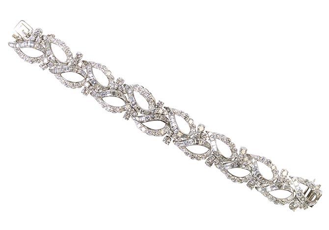 Oscar Heyman 25.81-carat and platinum vintage bracelet, $200,000.