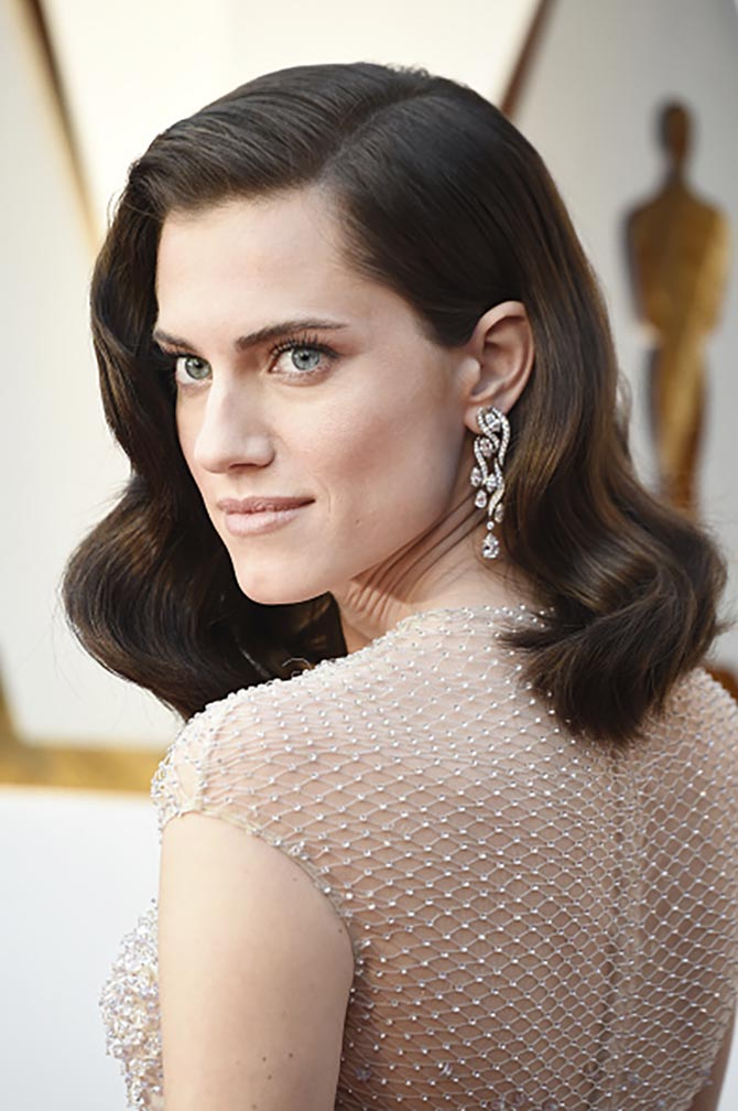 Allison Williams in Harry Winston Earrings