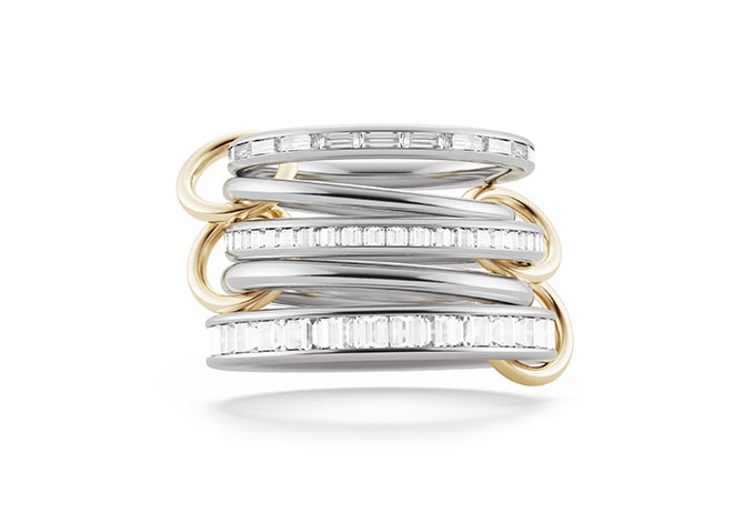 White and yellow gold Augusta ring from the Ada collection set with Carré or baguette-cut diamonds. Photo courtesy